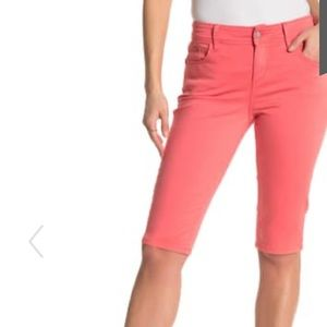 TOMMY BAHAMA   16   Denim 15' Pink Clam Diggers